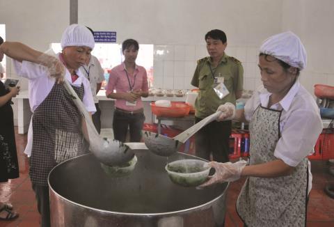 thanh-tra-an-toan-thuc-pham-khong-co-chuyen-ngoi-choi-lanh-luong_20753207